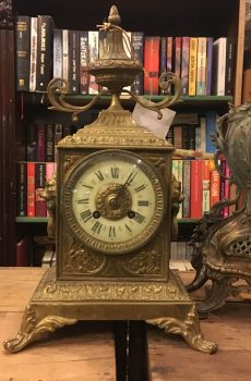 Antika Fransız Aslan Figürlü Saat